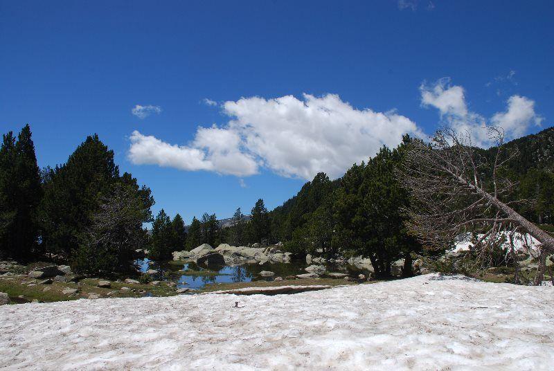 Deshielo en el lago de Malniu