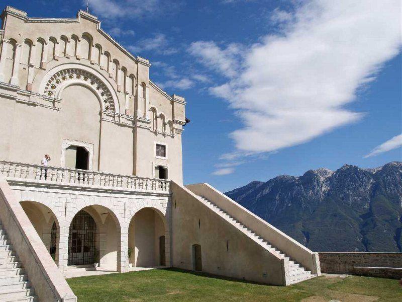 Madonna di Monte Castello