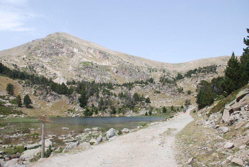 Lago pequeño de la Pera