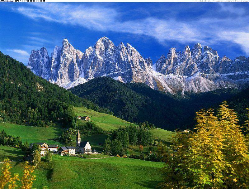 Vista de los Dolomitas en el Valle de Funes