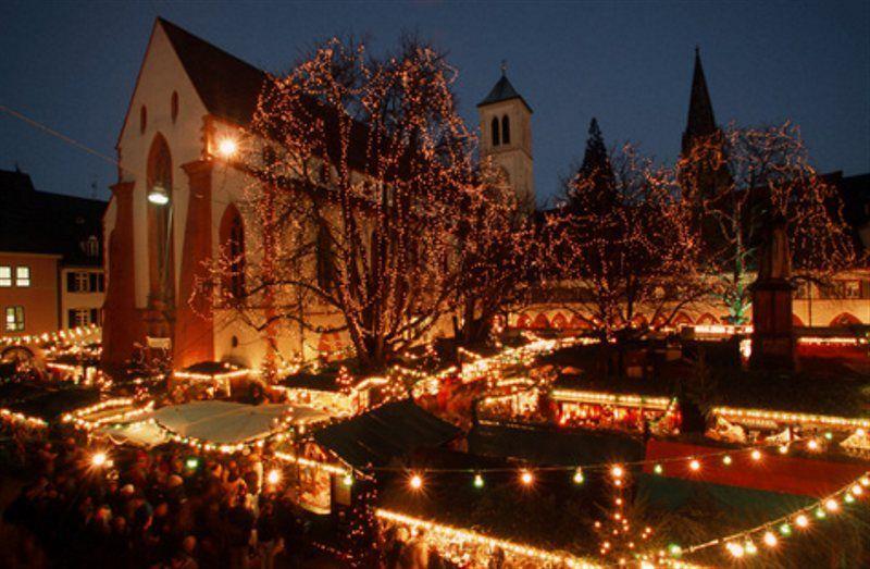 Luces de Navidad en Friburgo © Freiburg Wirtschaft Touristik und Messe GmbH & Co. KG / Foto: Karl-Heinz Raach