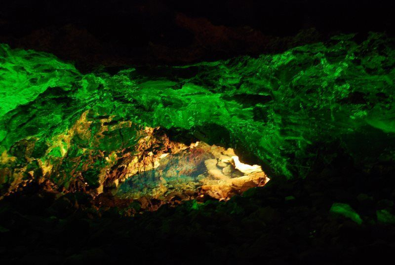 Iluminación de la Cueva de los Verdes
