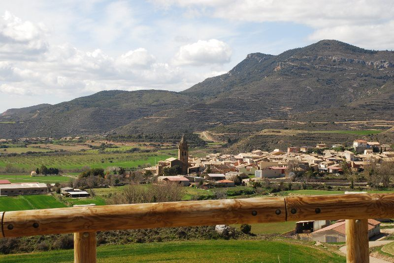 Vistas del pueblo de Loarre