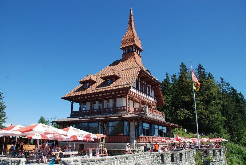 El característico restaurante con tejado en forma de pagoda de Harder Kulm