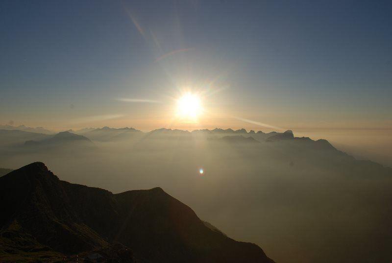 Atardecer en Suiza desde el Niesen