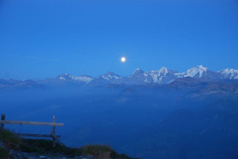 Luna llena en el Niesen