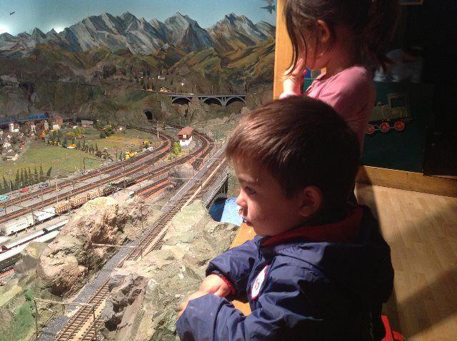 A Jan le gustaron mucho los trenes... y a mí
