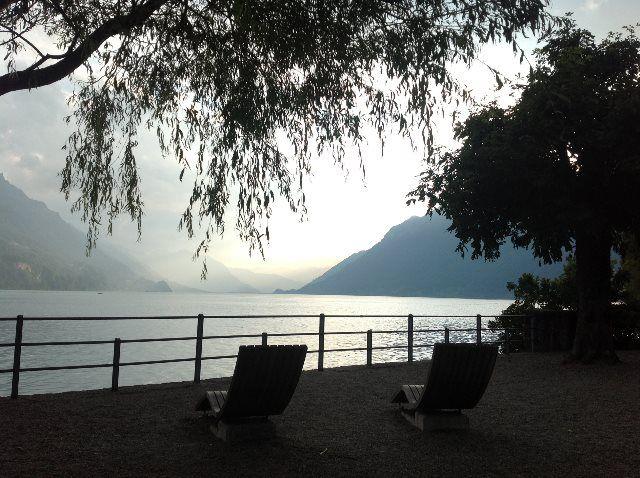 Puesta de sol en el lago de Brienz