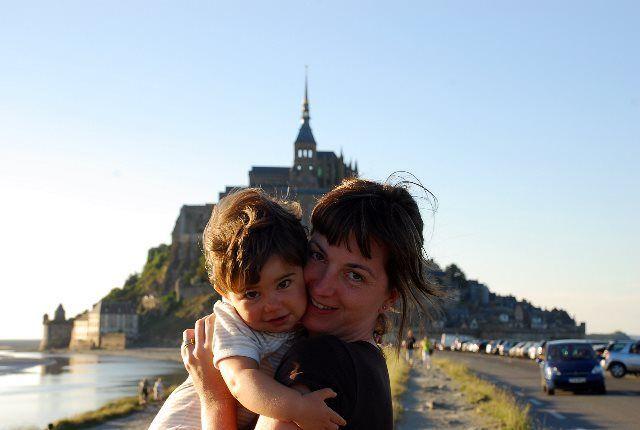 Isa y Martina en el Mont Saint Michel