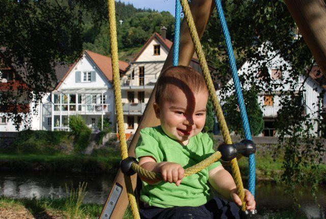 Jan jugando en el parque de Schiltach