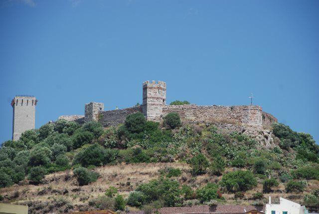 La imponente estampa del castillo