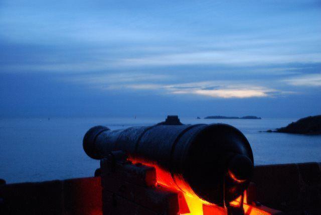 Anocheciendo en Saint Malo