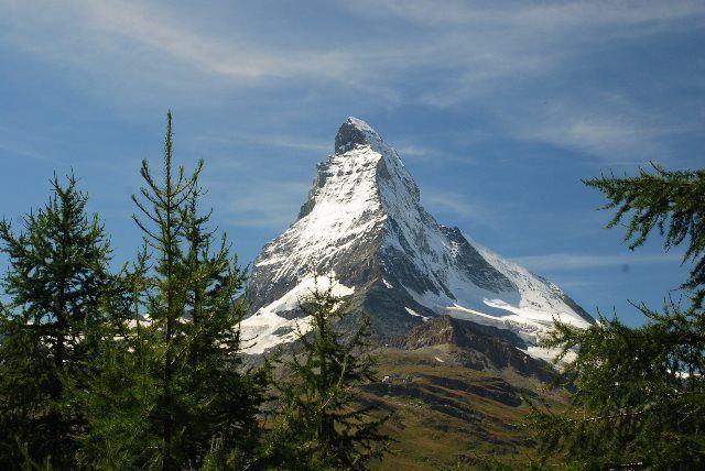 El Matterhorn entre abetos