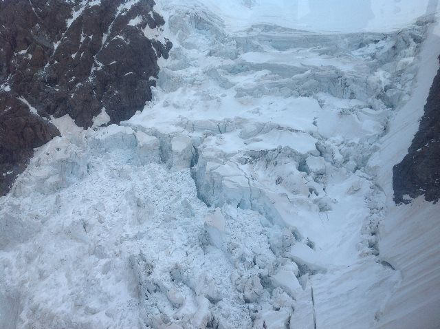 Antes de subir al Klein Matterhorn hay que subir abrigado