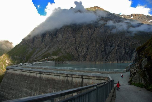 El paseo de la cresta del muro de la Grande Dixence
