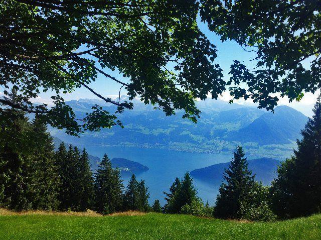 El lago Cuatro Cantones desde el mirador de Kanzeli