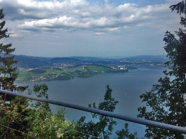 Lago Lucerna desde el Felsenweg