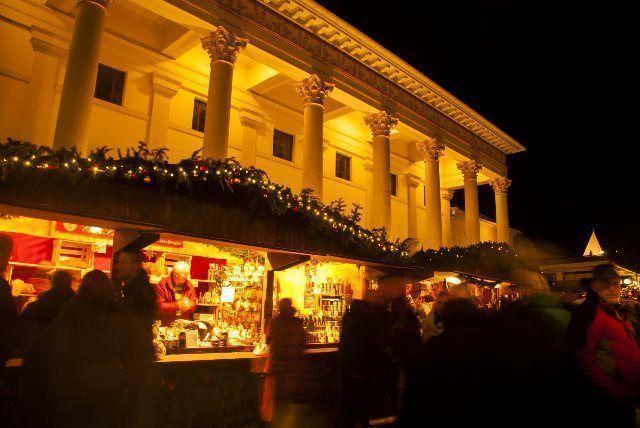 Los puestos de regalos junto al Casino de Baden Baden