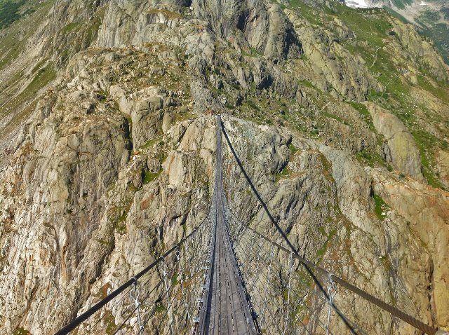 Cruzando el Triftbrücke