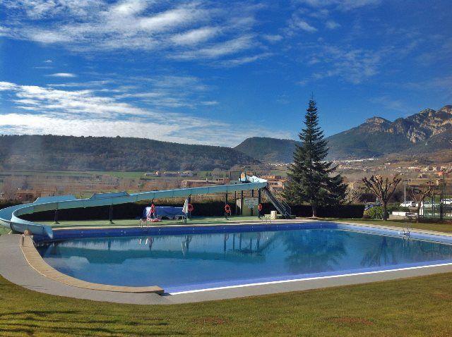 Piscina exterior del camping Berga Resort