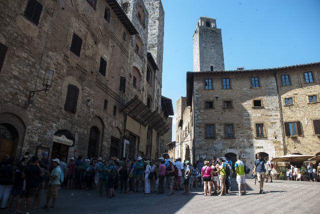 cola en la heladería Dondoli de San Gimignano