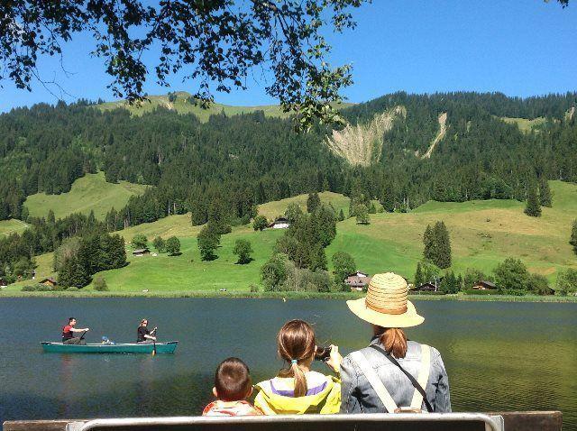 Contemplando el Schwarzsee (Friburgo)