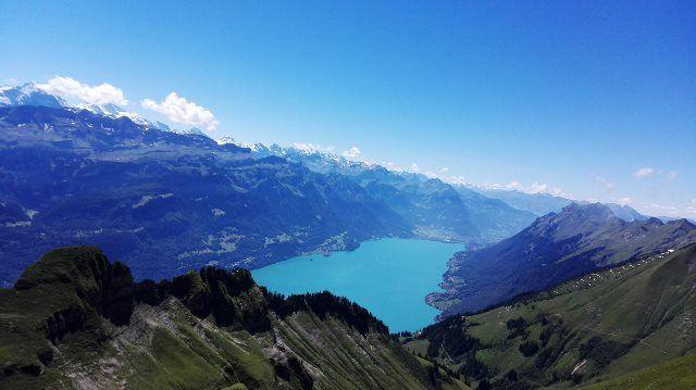 Alpes y lago