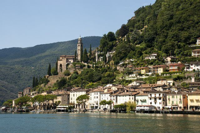 Morcote desde el lago Lugano