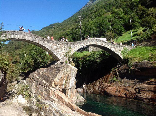 Puente meideval de Lavertezzo