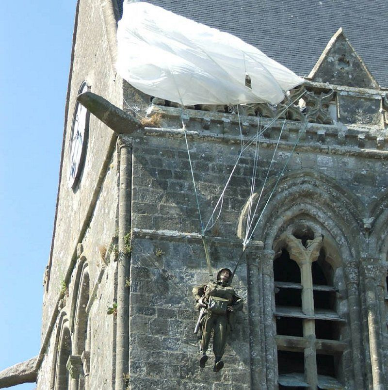 paracaidista en St.Mere l'Eglise