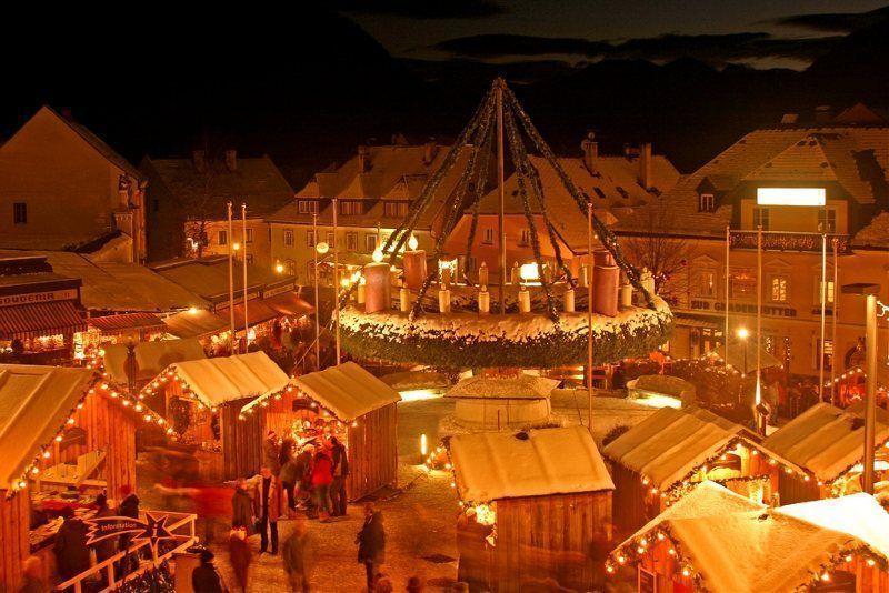 Mercado Navidad Mariazell iluminado