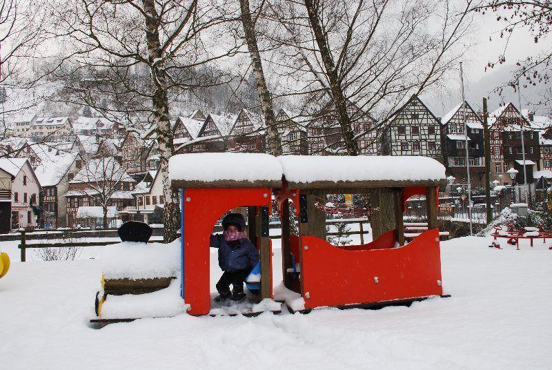 Parque infantil nevado