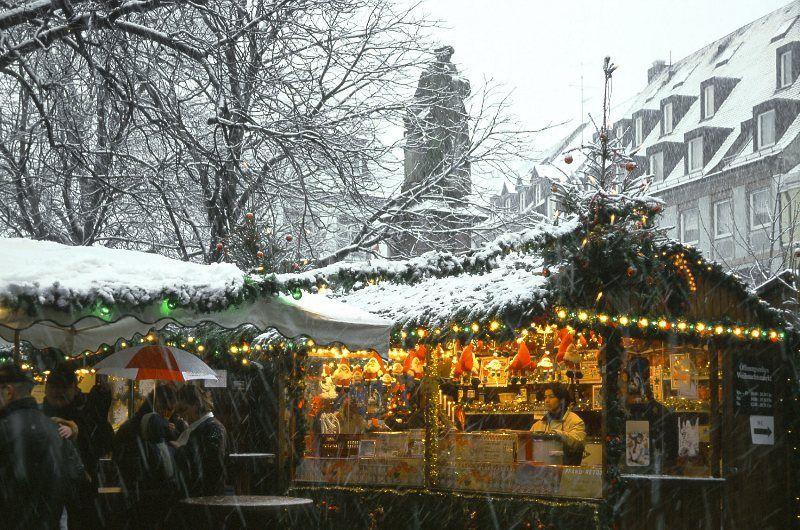 Mercadillo de Navidad de Freiburg © Freiburg Wirtschaft Touristik und Messe GmbH & Co. KG / Foto: Karl-Heinz Raach