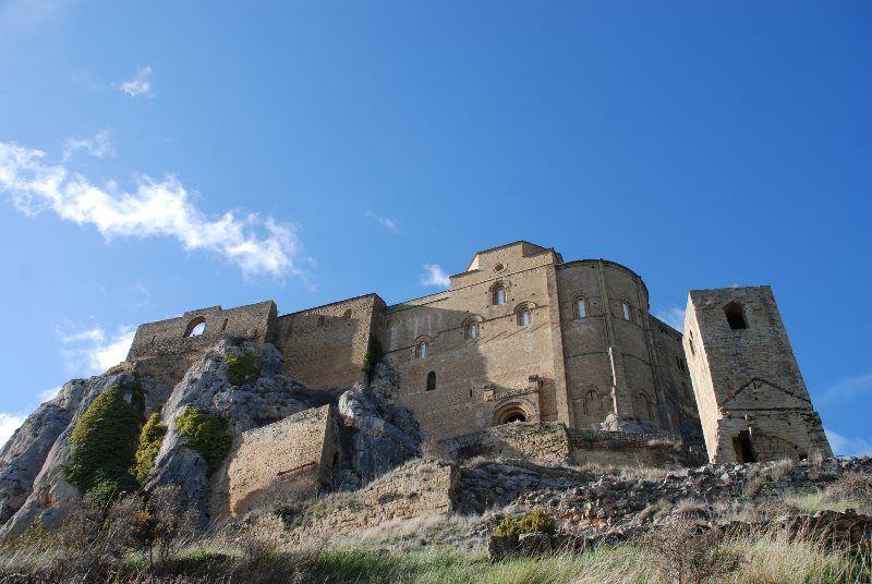 A los pies del castillo de Loarre