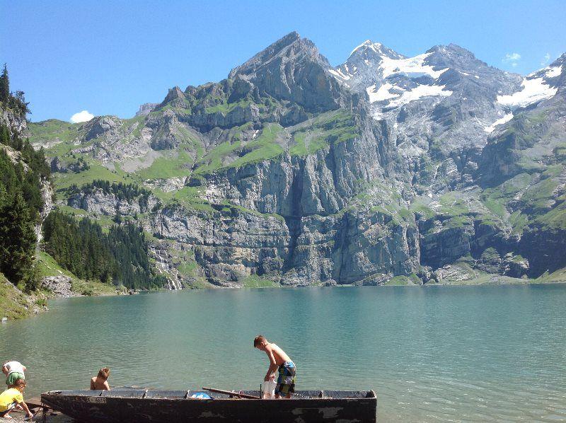El lago Oeschinensee ideal para ir con niños