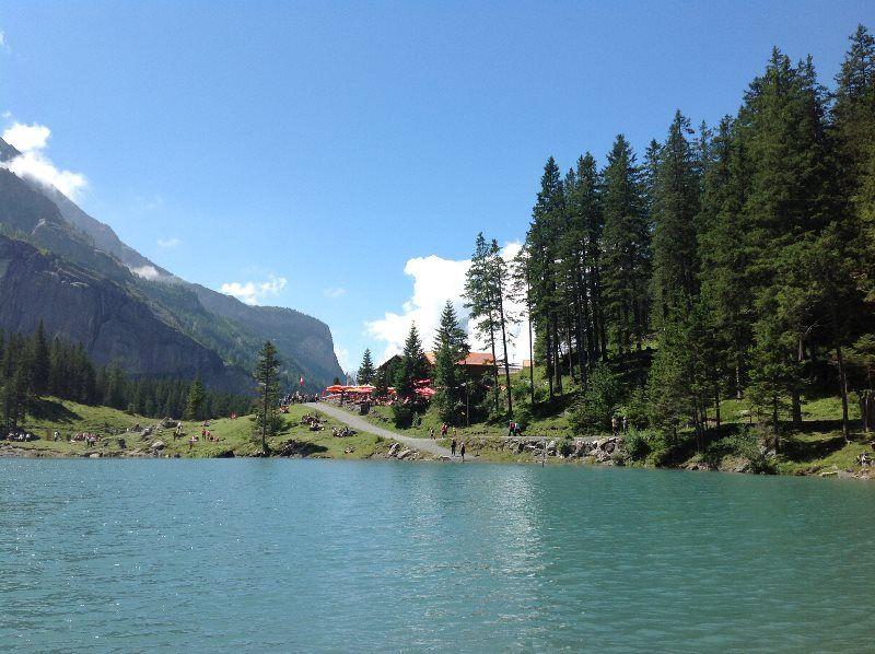 Inicio del lago Oeschinensee
