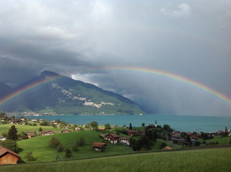 Arco Iris en el lago de Thun