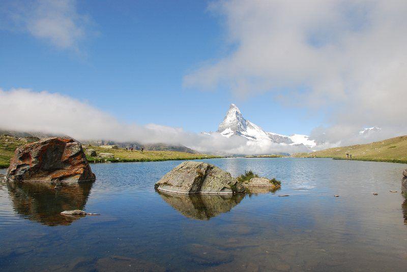 Lago Stellisee con el Matterhorn al fondo