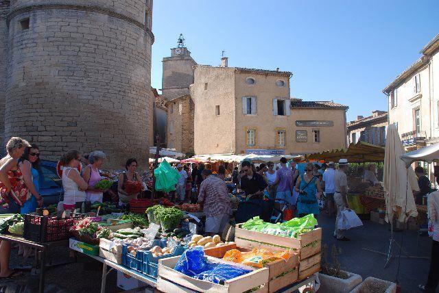 Mercado de los martes de Gordes