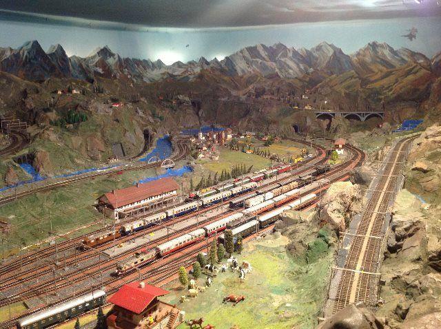 Show de trenes en miniatura en Heimwehfluh