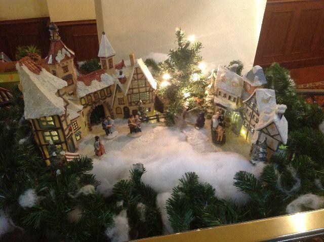 Detalles navideños en los pasillos