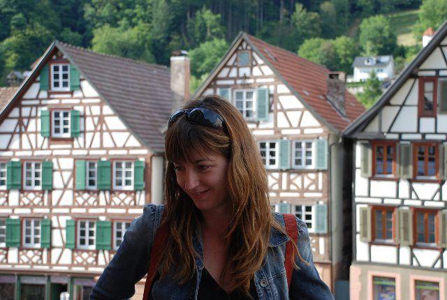 Isa en la Marktplatz de Schiltach