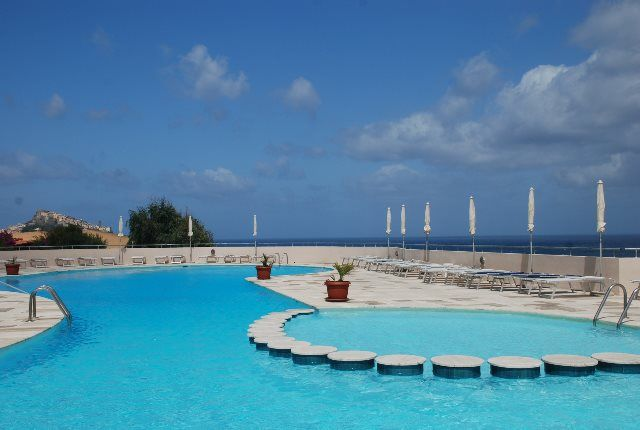 piscina del hotel partner Castelsardo Resort