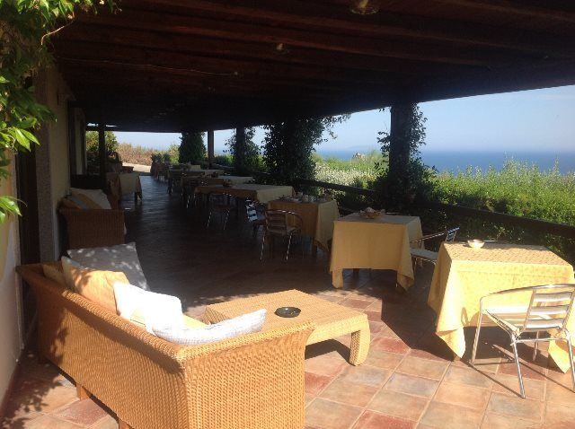 Terraza para desayunar con vistas al mar
