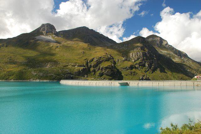 El lago de Moiry