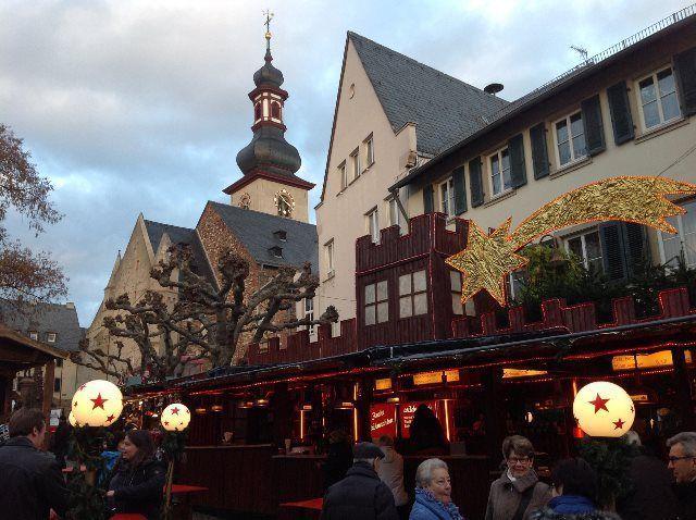 Ambientazo de Navidad en la Plaza del Mercado