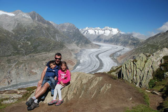 El glaciar Aletsch con niños