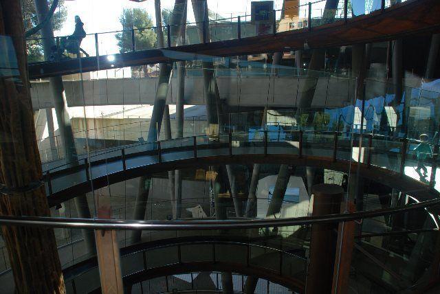 La gran rampa de acceso a Cosmocaixa