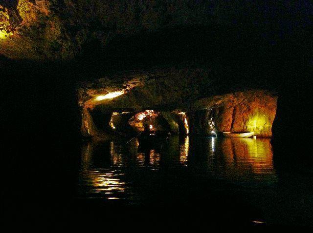 Lago subterráneo de St-Léonard