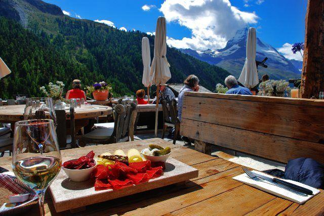 comida biológica y buenos vinos del Valais